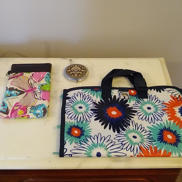 Three pieces of thirty One